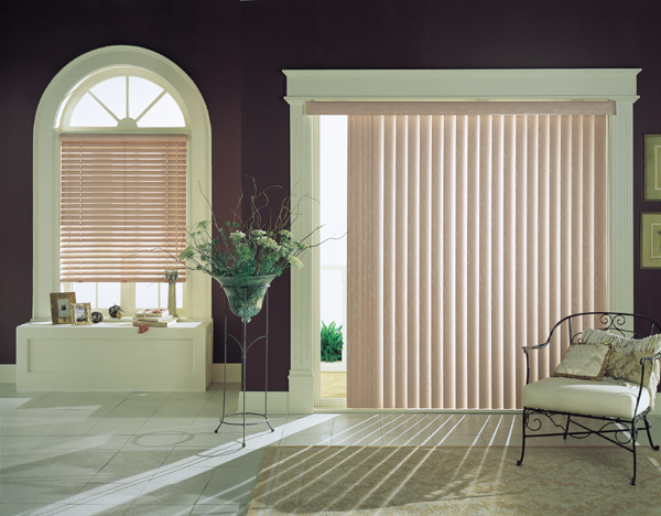 Graber Vertical Blind with G-71 Super Vue Headrail and Crown Smooth Vinyl Vanes