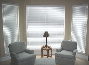 Aurawood Deluxe 2 1 Faux Wood Horizontal Blind White Colors